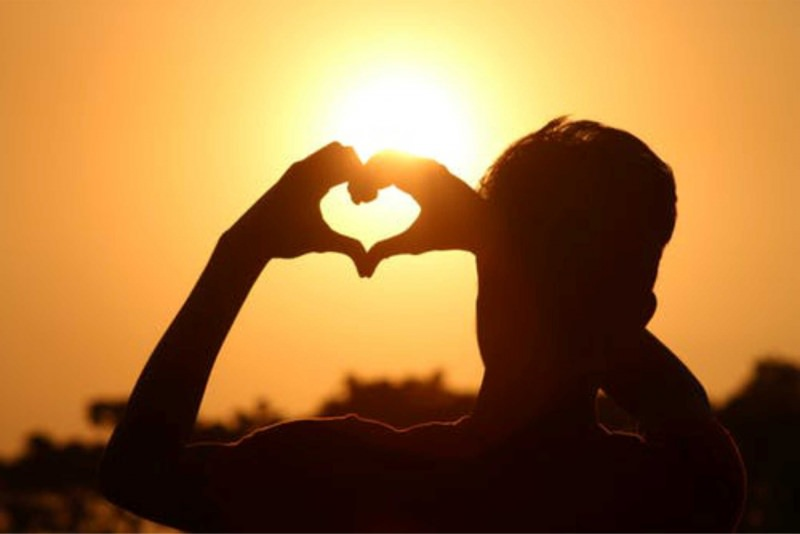 uomo cuore amore sole