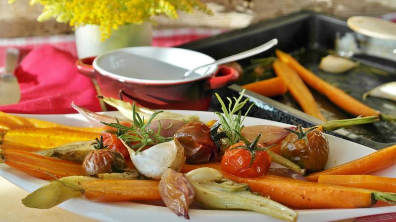 grigliata ferragosto verdure ciotola fior mimosa