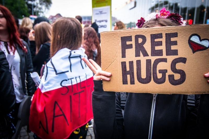 Scopri quand'è la giornata dell'abbraccio Hug Day National Hugging Day Free Hugs