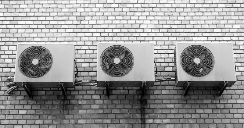 Come scegliere il climatizzatore giusto per stare al fresco in estate