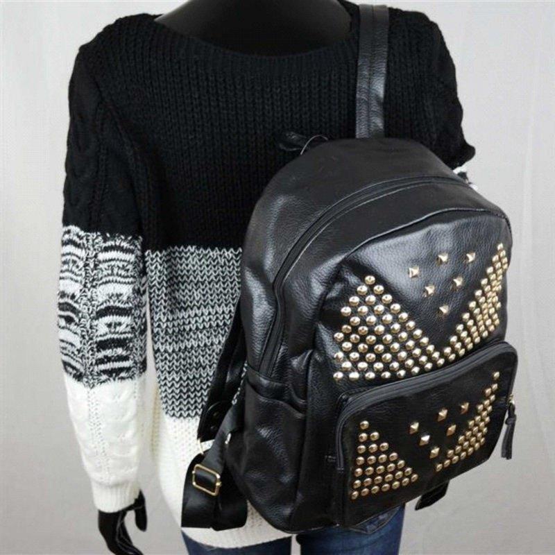 Zainetto da donna: cosa considerare per scegliere il migliore pelle nera jeans maglione lana bianco nero